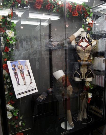 「ロストプラネット3」ミラ プロモーション衣装 期間限定で展示中!
